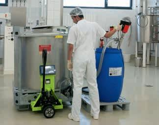 F 560 GS in operation in the hygiene sector - pumping raw material for a cream into a mixing vat..jpg